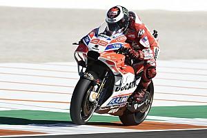 MotoGP Relato do treino livre Lorenzo lidera sexta-feira em Valência; Márquez cai