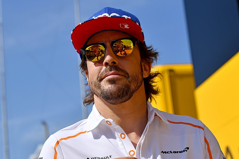Alonso: Én kétszeres világbajnok vagyok, Magnussen pedig próbál néhány pontot szerezni
