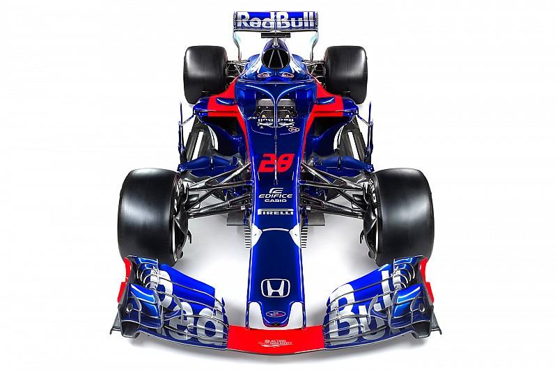 Compare Toro Rosso com motor Renault e novo modelo Honda