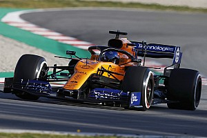 Сайнс: McLaren має пишатися першим днем тестів