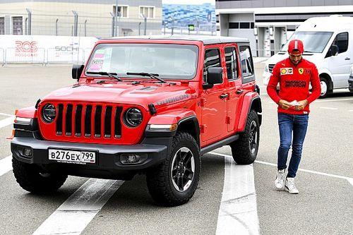 Sainz voit Ferrari briller en Russie