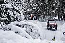 WRC Videón, ahogy Tänak belerohan Meeke-be a Svéd Ralin