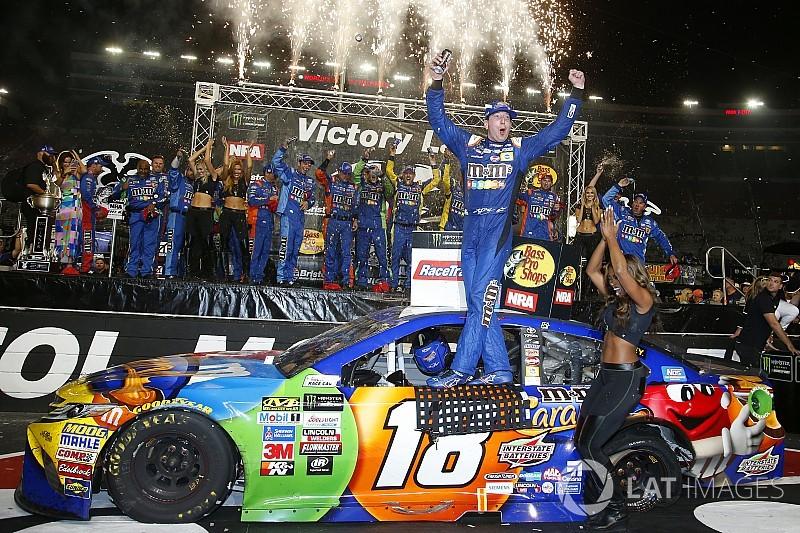 Kyle Busch 'varre' fim de semana da NASCAR pela segunda vez