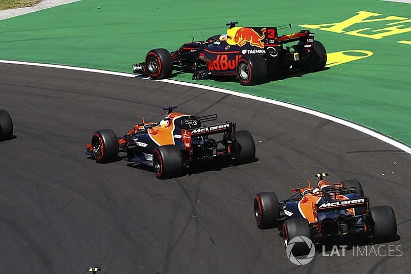 """Ricciardo: """"Pas d'excuse"""" pour l'erreur de Verstappen"""