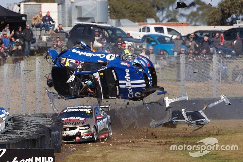 Terribile incidente alla Sandown 500: ecco il video