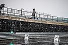 Формула 1 Фотофакт: на автодромі в Сільверстоуні зліпили сніговика