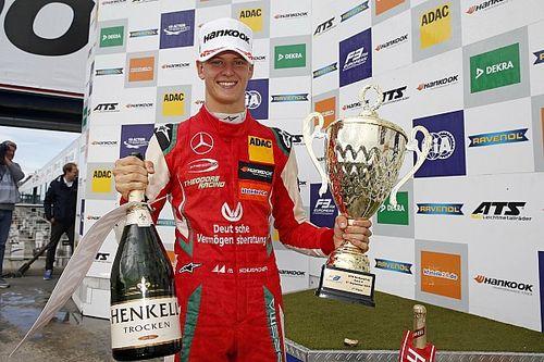 """Coronel looft Mick Schumacher: """"Hij is zeker F1-waardig"""""""