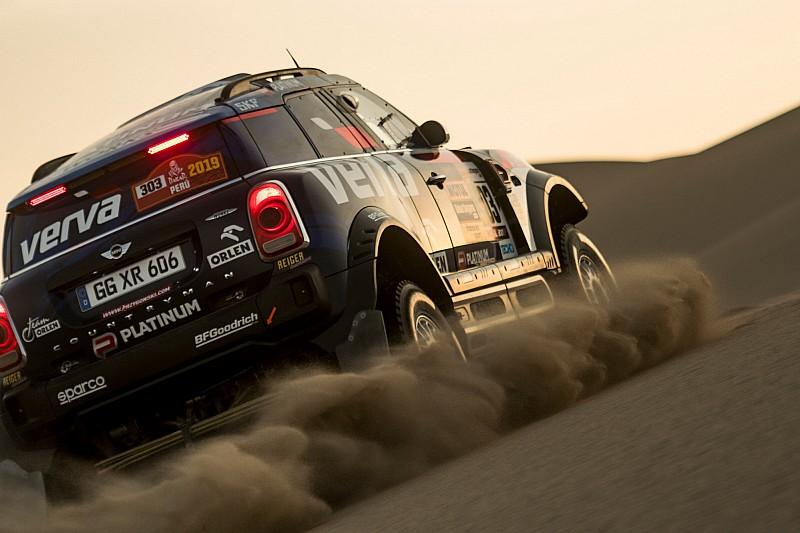 La Dakar mette un freno ai