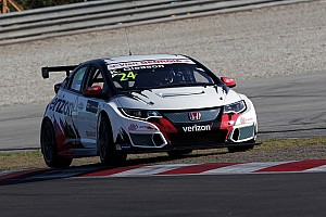 TCR Race report Sepang TCR: Gleason takes first win of 2016 in delayed Race 2
