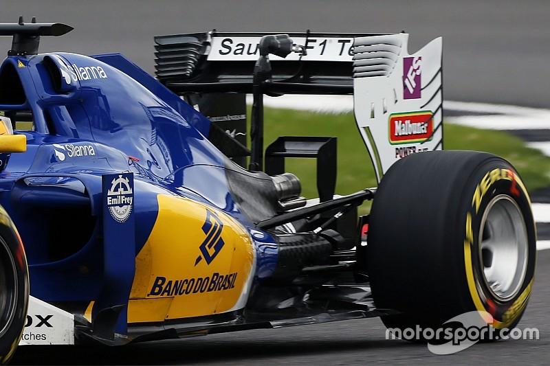Технічний брифінг: заднє крило і «мавпяче сідло» Sauber C35