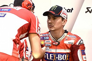 MotoGP Breaking news Debut bersama Ducati, Lorenzo kecewa finis P11