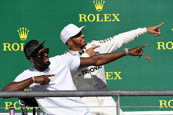 La historia detrás de la foto: Hamilton hace el 'Lightning Bolt'