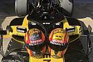F1 Sainz pide consejo para elegir su casco para la F1 2018