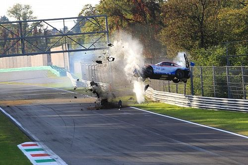 Fotos: el impactante accidente de un GT en Monza