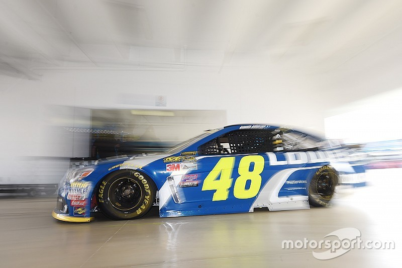 Jimmie Johnson tops Saturday morning Cup practice