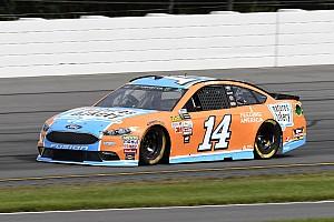 NASCAR Sprint Cup Crónica de Carrera Clint Bowyer gana la Etapa 2 en Pocono