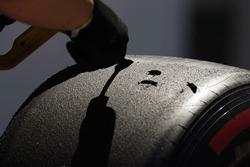 Überprüfung des Reifenabriebs