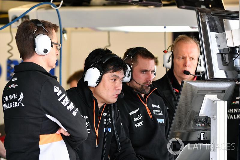 Старший шинний інженер Sahara Force India F1 Team Дзун Матсузакі
