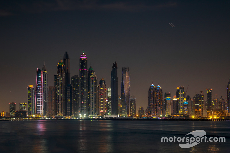 Dubai atmosphere