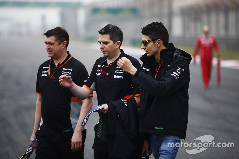 Trackwalk: Esteban Ocon, Force India