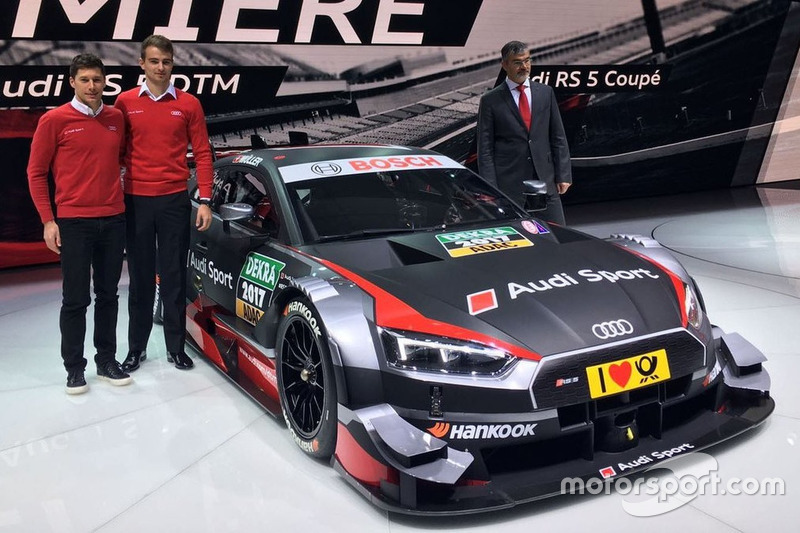 Loic Duval, Nico Müller y Dieter Gass, Jefe de Audi Sport con el Audi RS 5 DTM 2017