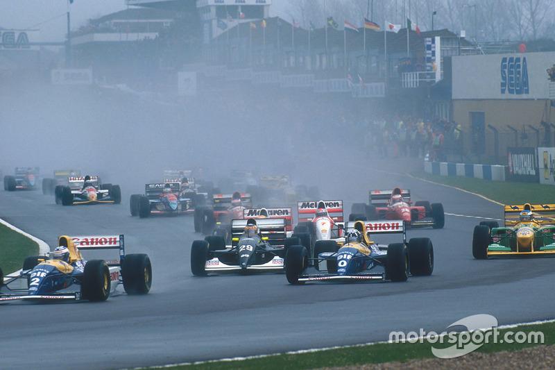 Alain Prost leads teammate Damon Hill, Williams FW15C, Karl Wendlinger, Sauber C12, Ayrton Senna, McLaren MP4/8, Michael Schumacher, Benetton B193B, Michael Andretti, McLaren MP4/8