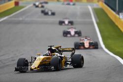 Nico Hulkenberg, Renault Sport F1 Team RS17, Fernando Alonso, McLaren MCL32