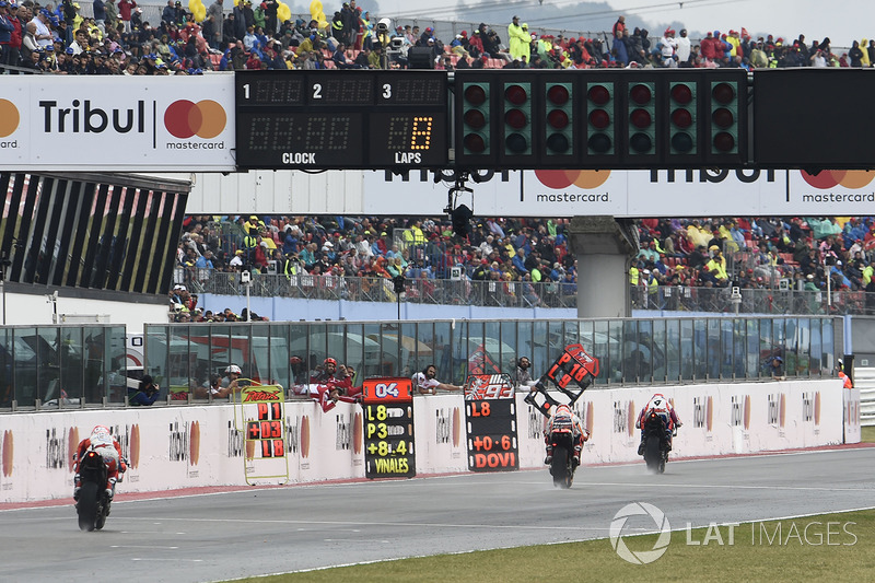 Danilo Petrucci, Pramac Racing, Marc Marquez, Repsol Honda Team, start finish straight