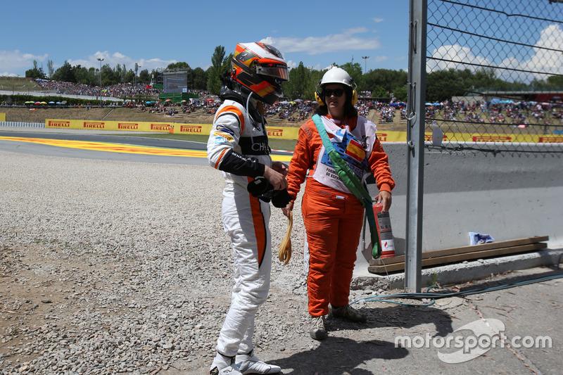 Se retira de la carrera Stoffel Vandoorne, McLaren