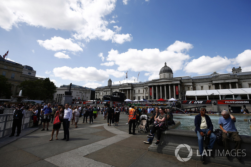 Fans gather in Trafalgar Square