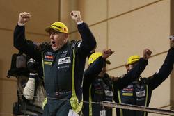 Podyum LMGTE AM: yarış galibi Paul Dalla Lana, Aston Martin Racing