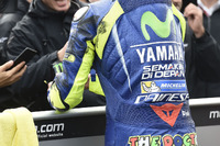 Tyre mark on Valentino Rossi, Yamaha Factory Racing leathers