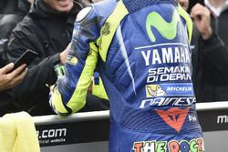 Reifenspuren am Overall von Valentino Rossi, Yamaha Factory Racing