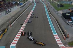 Carlos Sainz Jr., Renault Sport F1 Team RS17, Lance Stroll, Williams FW40