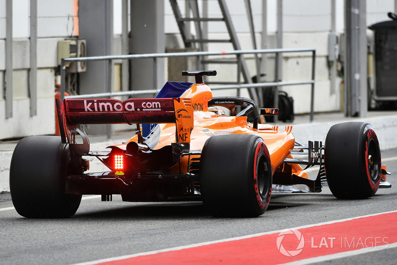 Stoffel Vandoorne, McLaren MCL33 with aero paint on rear wing