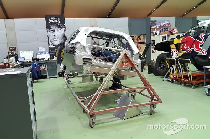 Assemblaggio delle Peugeot 3008 DKR