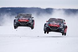Себастьен Лёб и  Тимми Хансен на презентации команды Peugeot на сезон 2016 года