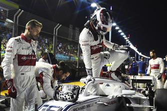 Charles Leclerc, Sauber C37 sur la grille