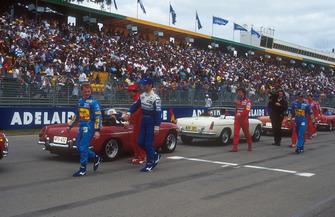 Johnny Herbert, Benetton, Damon Hill, Williams, Jean Alesi, Ferrari, Eddie Irvine, Jordan and Michael Schumacher, Benetton Ford on the drivers parade