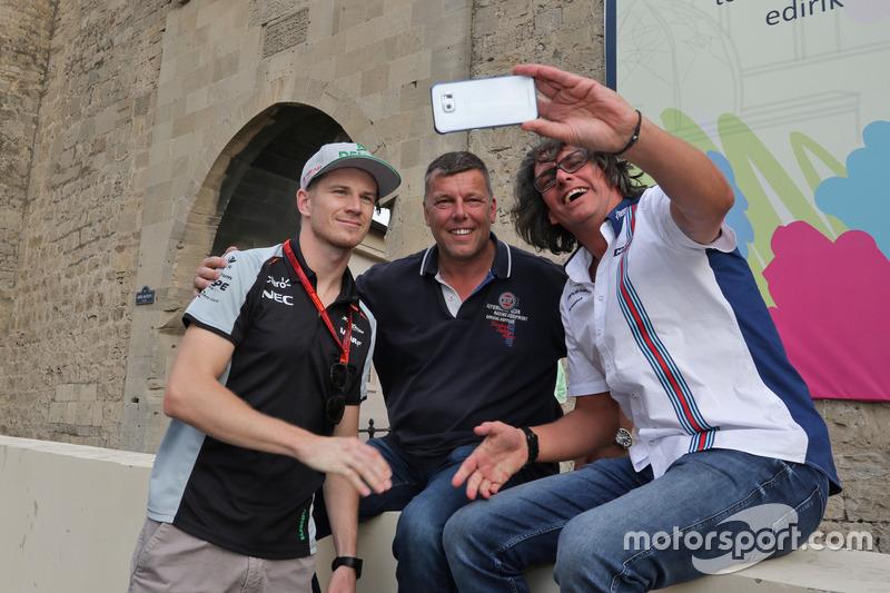 Nico Hulkenberg, Sahara Force India F1 con aficionados