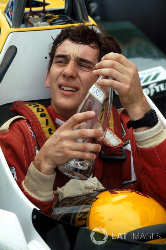 Ayrton Senna, se recupera de su primera prueba de F1 en el Williams FW08C