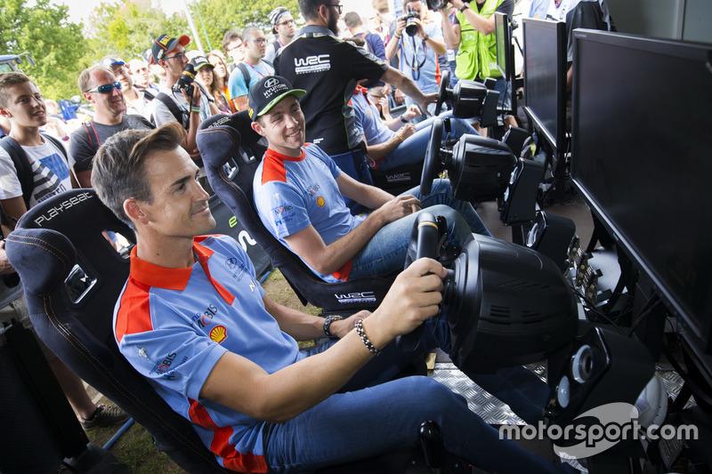 Dani Sordo, Hyundai Motorsport, Hayden Paddon, Hyundai Motorsport, Thierry Neuville, Hyundai Motorsport