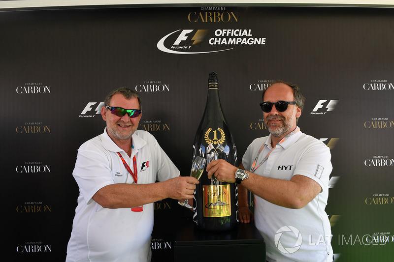 Paul Stoddart y Yannick Guesnier