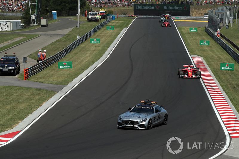 Автомобіль безпеки попереду Себастьяна Феттеля, Ferrari SF70-H