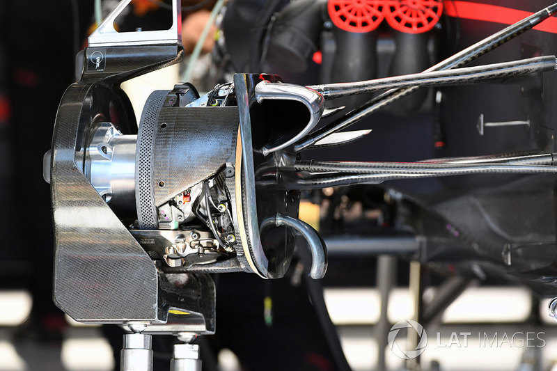 Red Bull Racing RB13 detail remsysteem