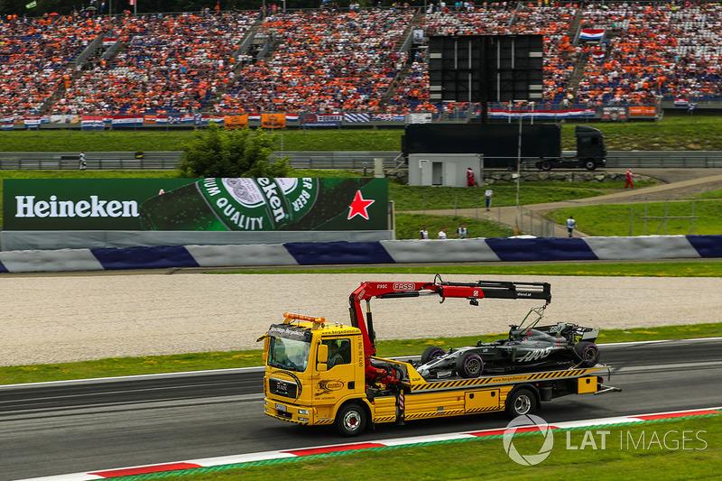 Bergung des Autos von Romain Grosjean, Haas F1 Team VF-17