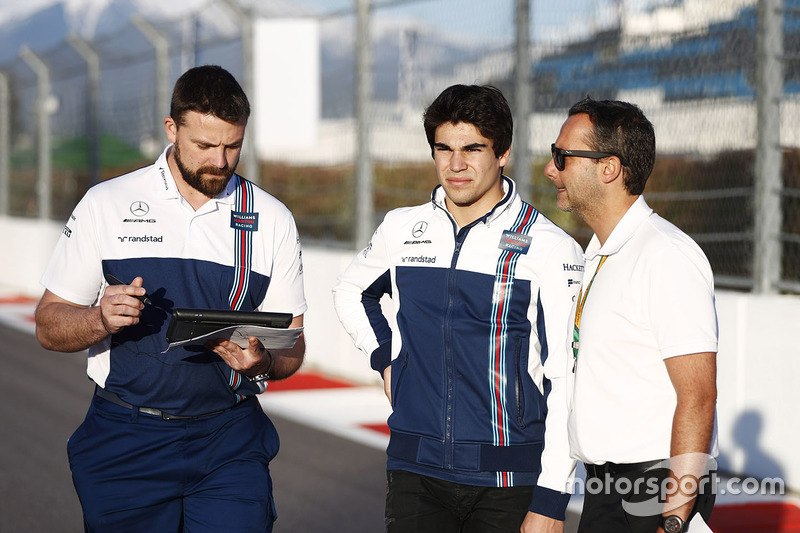 Lance Stroll, Williams, conducts a track walk