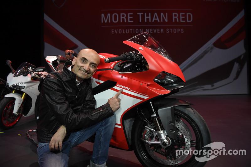 Claudio Domenicali mit der Ducati 1299 Superleggera