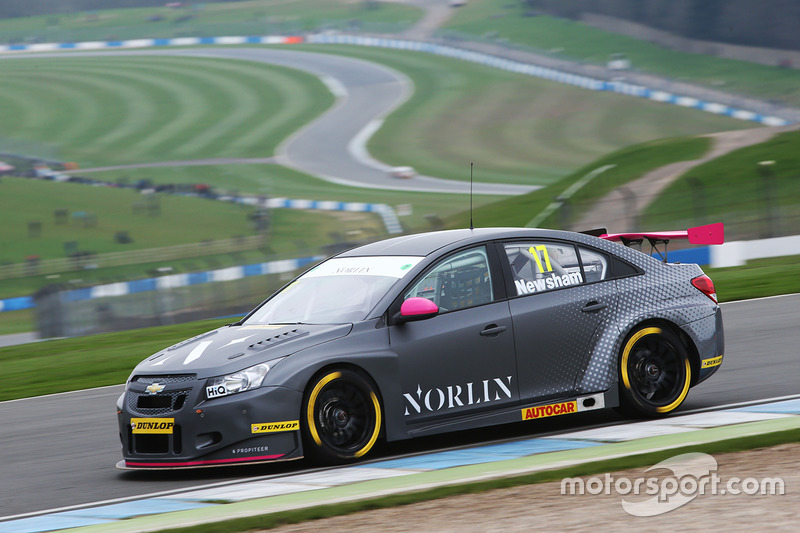 Dave Newsham, BTC Norlin Racing Chevrolet Cruze at BTCC Media day ...