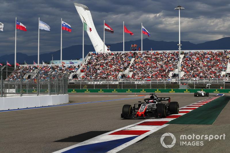 Romain Grosjean ficou a um passo dos pontos, em 11º